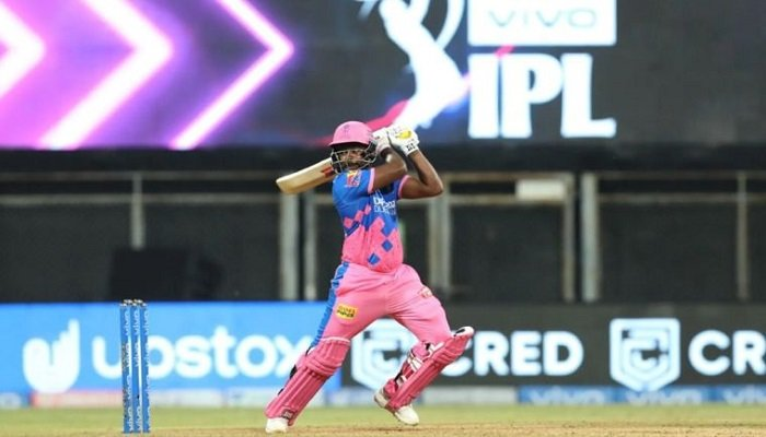 Sanju Samson denied single on the 2nd last ball of the match between RR and PBKS in IPL 2021. Read on to know what cricketing experts said about this.